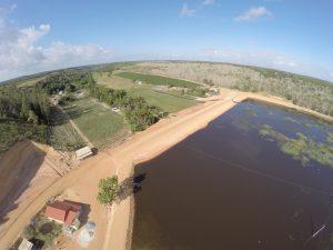 Desde que foi implantado até hoje já foram construídas, reformadas e ampliadas 55 barragens no município, beneficiando em média 275 produtores