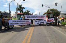 protesto importação BR 101, PEDRO CANÁRIO - Francisco Martins